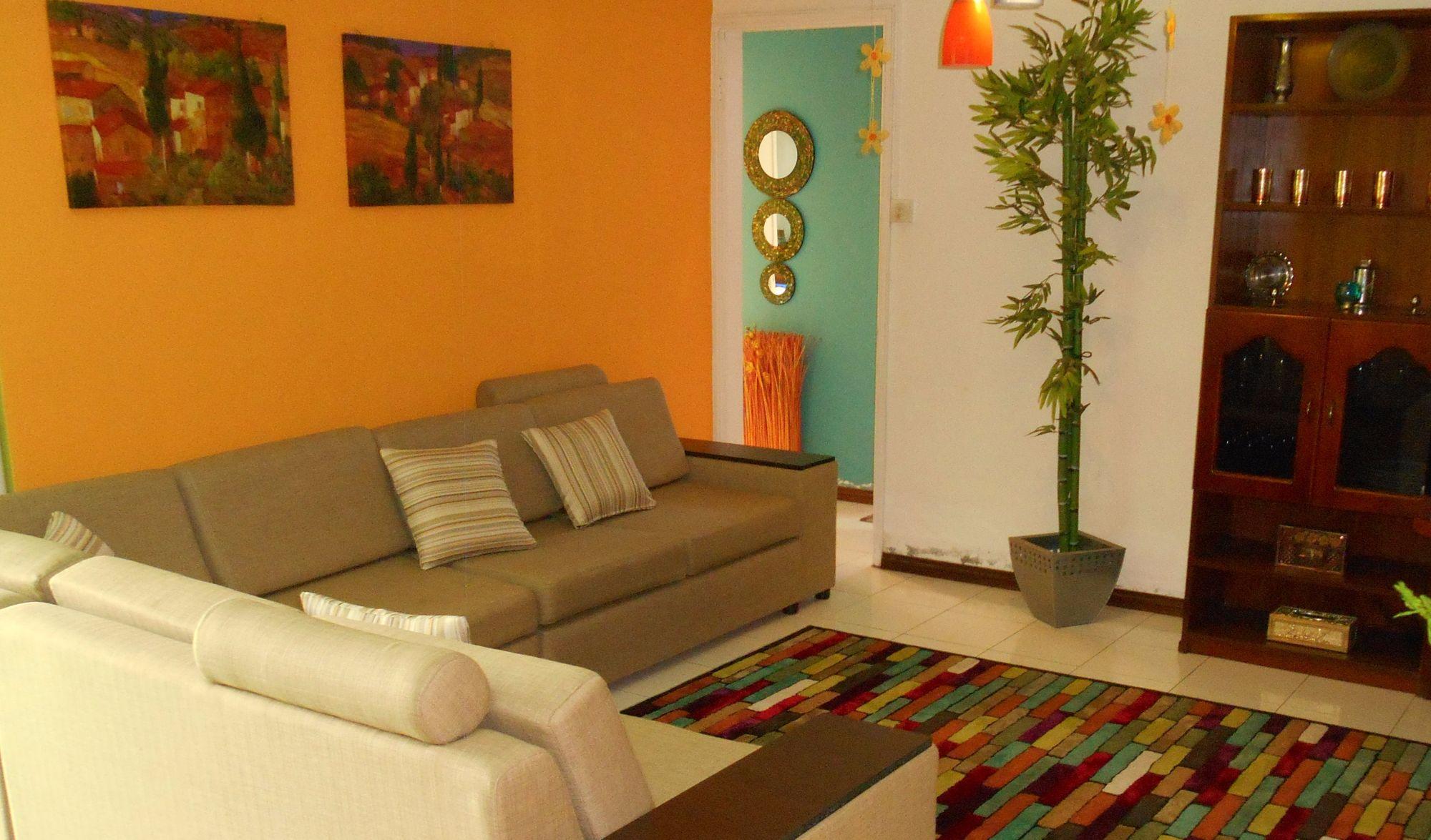 Ce bel appartement de 92 m2 se situe proche de toutes les facilités, dans une résidence à Rose Hill. Prix très attractif !!!