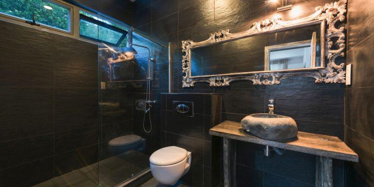 Komaneka-Bathroom-3