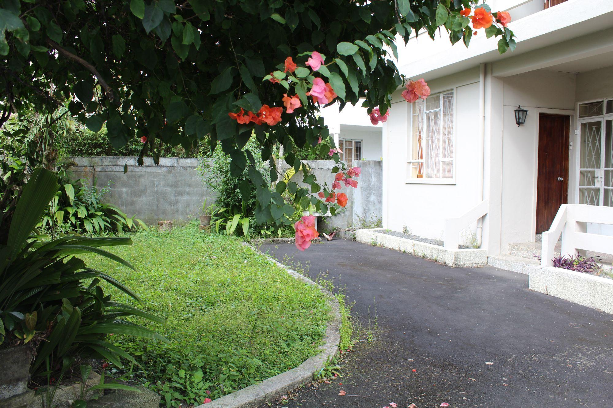 Maison à rénover de 155 M2 sur un terrain de 77 toises à Vacoas
