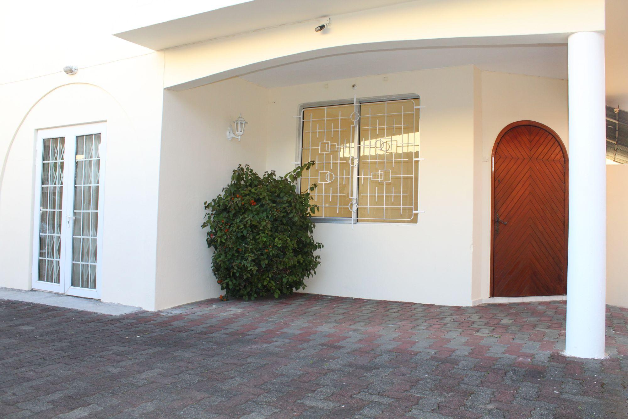 Maison Non Meublee A Renover De 185 Sur Un Terrain De 53