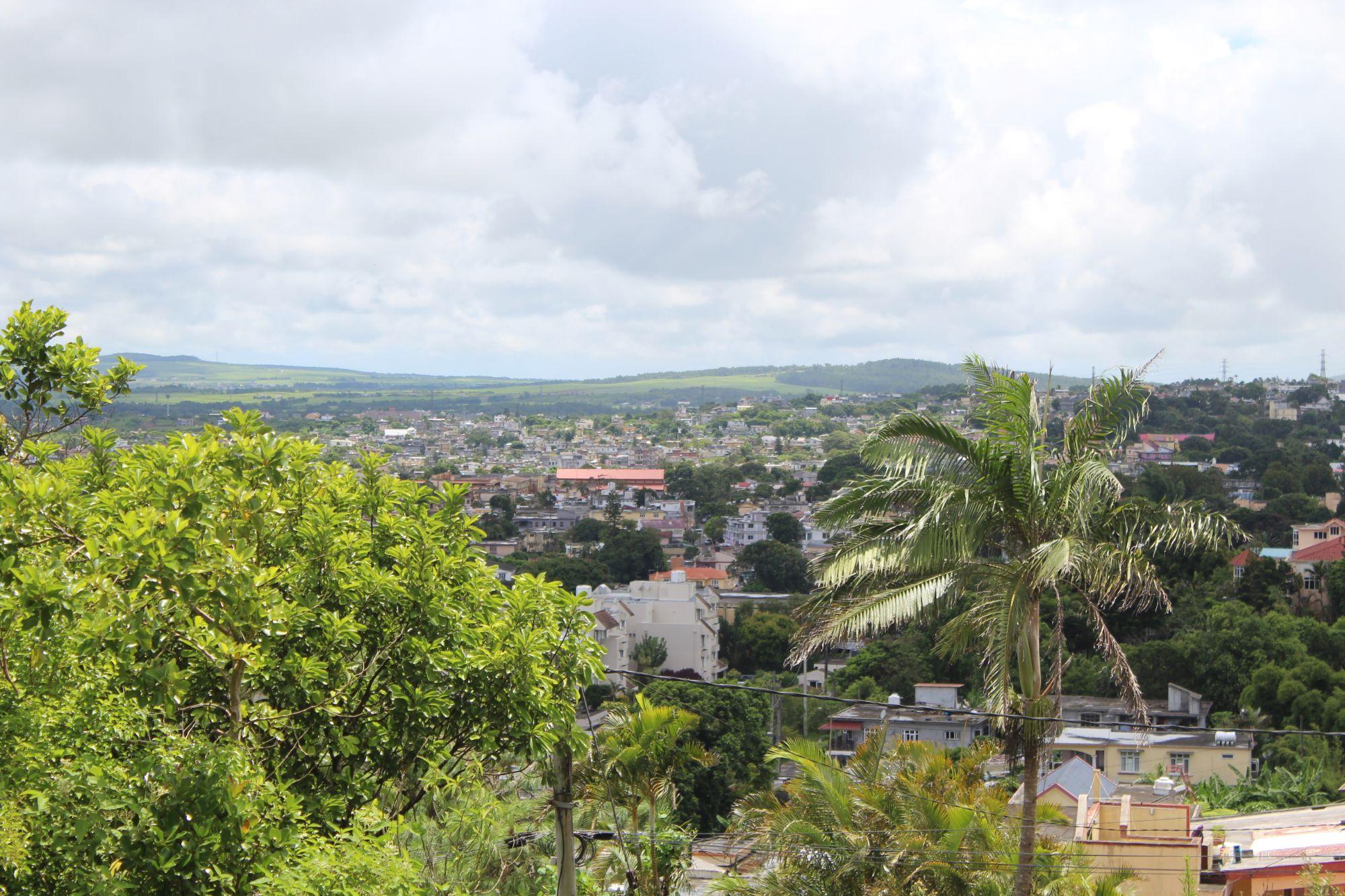 Magnifique terrain de 150 toises situé a Floréal avec vue imprenable sur la montagne