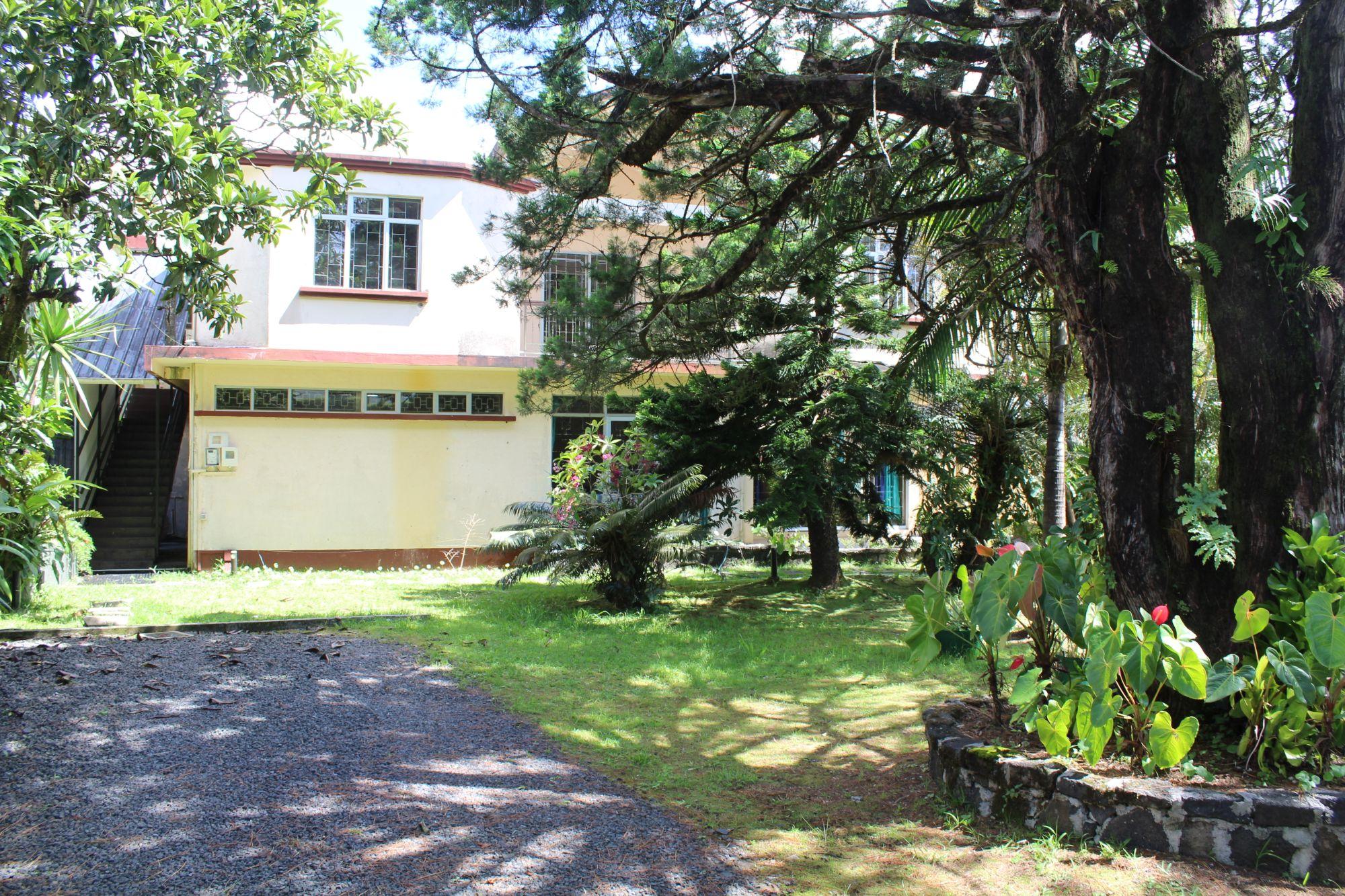 Espace bureau non-meublé au RDC de 139 m2 situé proche de toutes commodités à Curepipe