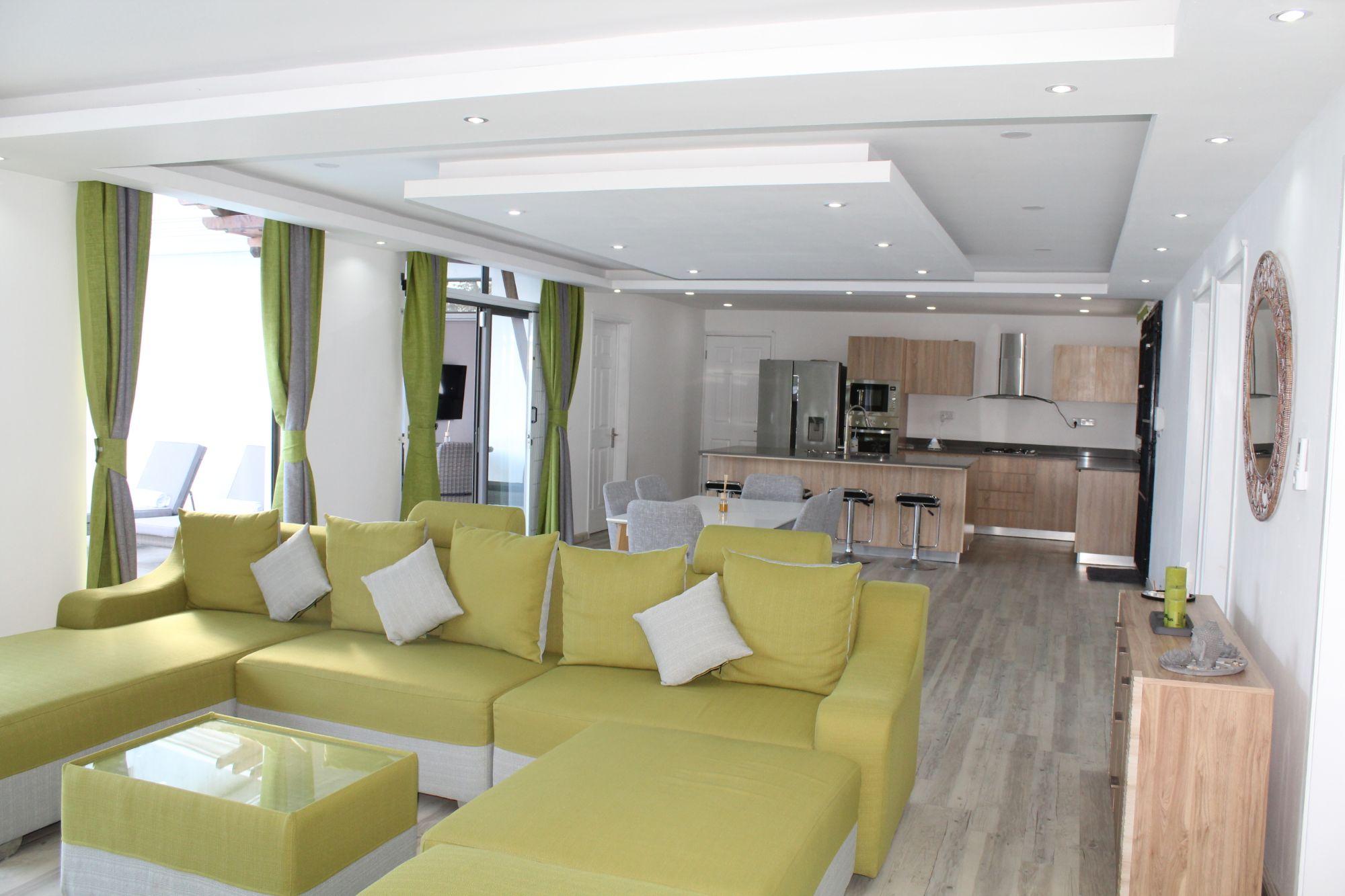 Magnifique maison contemporaine de plain-pied, meublée et équipée, de 146 m2 sur un terrain de 100 toises située dans un morcellement résidentiel à Balaclava.